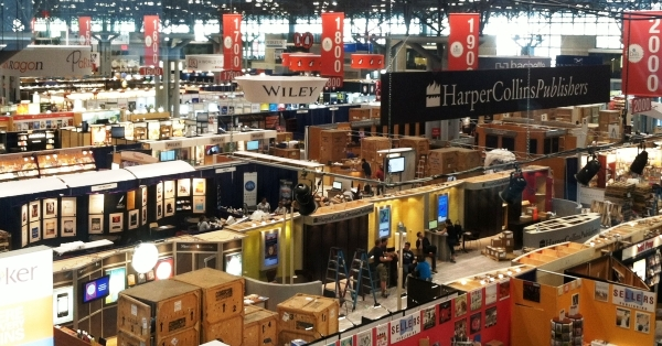 BEA exhibitors hall--with everyone from HarperCollins to Penguin!