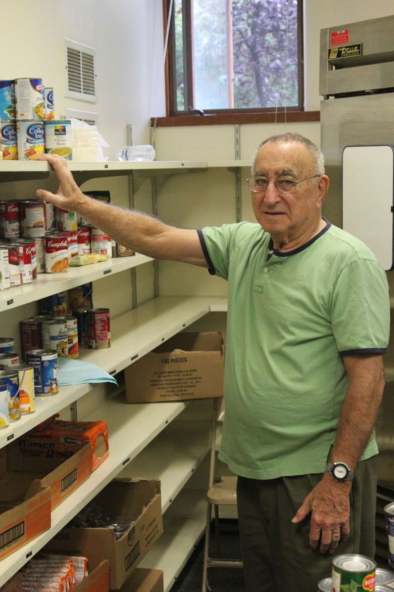 LCS-foodpantry-4