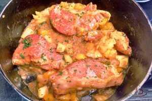 Picanha suína com molho de manga e abacaxi