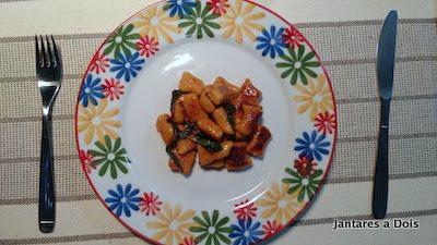foto do nhoque de batata doce com manteiga de salvia