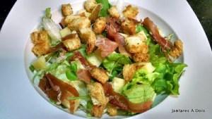 Salada com presunto de parma