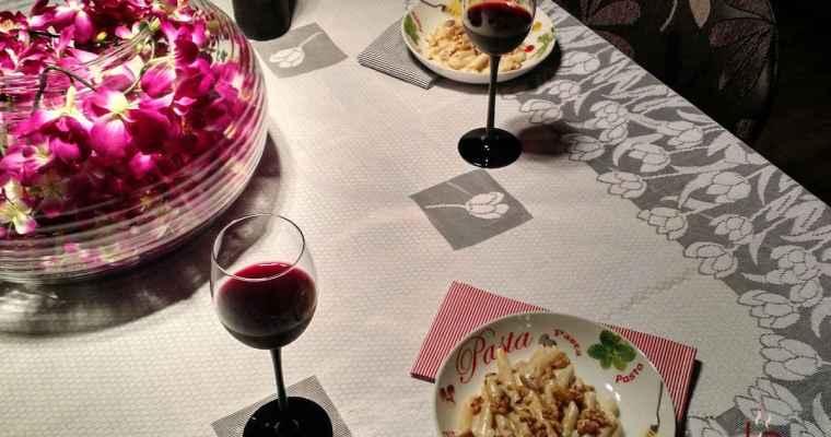 Penne ao molho de gorgonzola e nozes