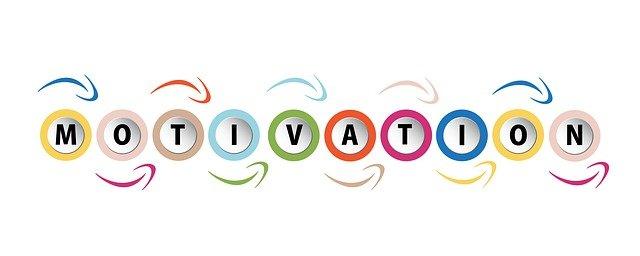 Motivation : chaque lettre du mot dans un rond qui fonctionne comme un engrenage (flèches autour)