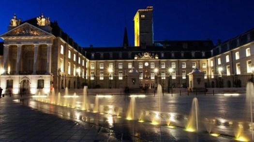 monuments historiques, palais, églises, hotels particulier