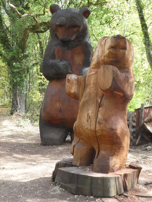 sculptures bois ours chateauneuf