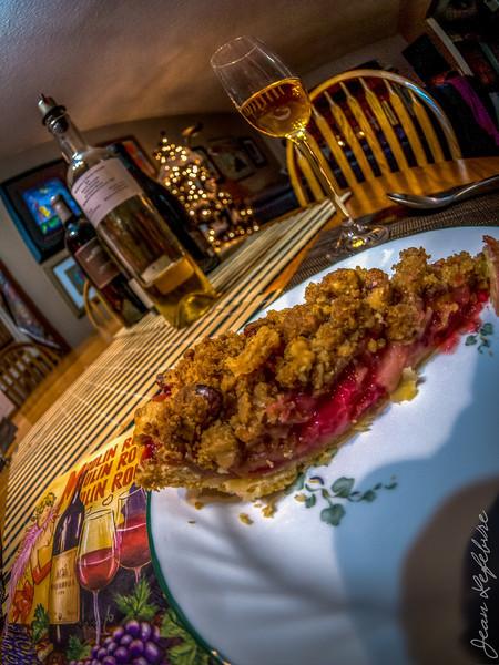 Cranberry-apple pie