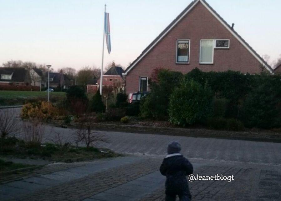 Waarom een wandeling met mijn zoontje veeeel langer duurt.