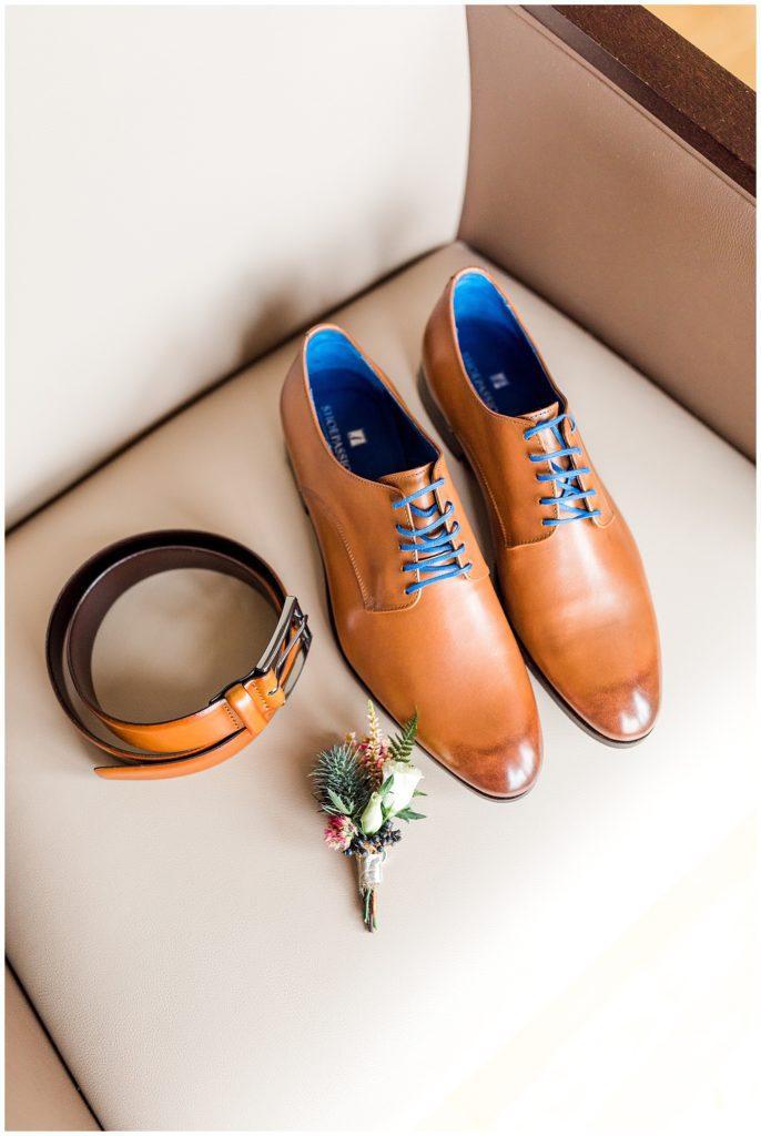 bryllupsbilleder af brudgommens bryllupsforberedelser