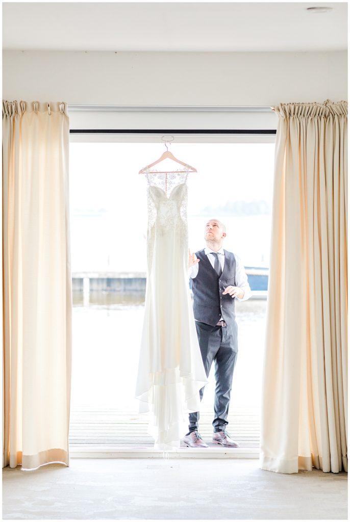 bryllupsfotograf i aarhus arbejder bag kulisserne