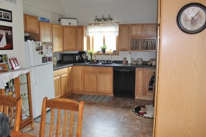 Large kitchen with plenty of cupboards