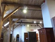 Salle sous charpente