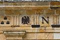 Emblêmes impériaux sur la façade