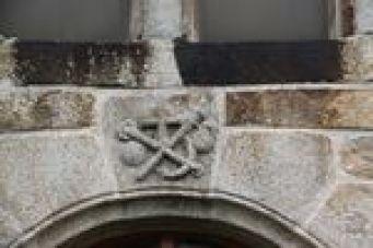 Linteau de la Chapelle Saint Roch de Marols
