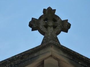 Croix sur la Façade frontale