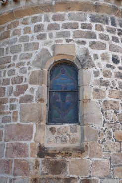 Le chevet polygonal vitrail de l'Absidiole