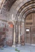 Façade occidentale - colonnettes du portail d'entrée