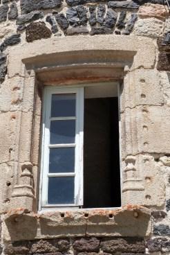 Le château du Monastier-sur-Gazeille- fenêtre