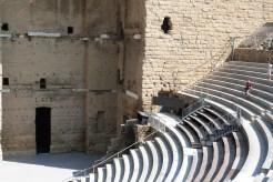 Mur de scène et la cavea