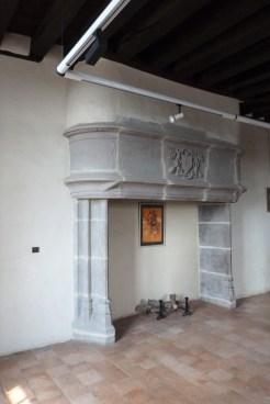 Salle de Bourbon - cheminée restaurée