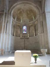 Abside en cul-de-four - autel