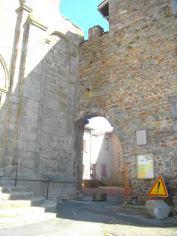 Porte d'accès au prieuré