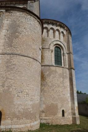 Le chevet - Arcatures aveugles et larges fenêtres du chœur (4)