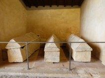 Sarcophages mérovingiens 6ème - 7ème siècle