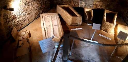 Sarcophages mérovingiens