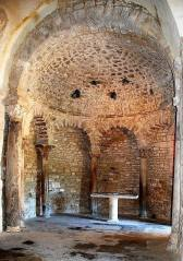 Baptistère de Venasque (abside nord).