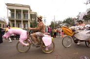 1024px-Carnival_Tucks_2013_Unicorn_Pelican_Trikes