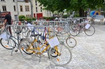 Des vélos à vendre à petit prix.