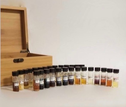 Showing the 28 bottles for the Advanced Vocabulary of Odor.