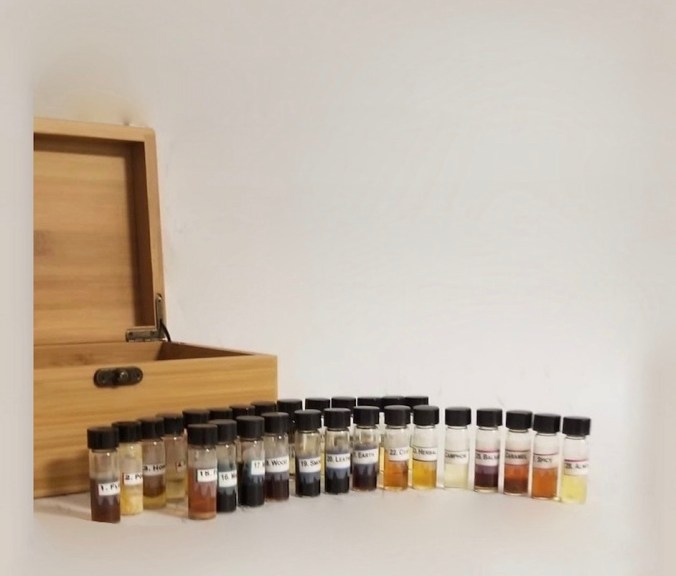 the box and the 28 odors that comprise the Advanced 28 Vocabulary of Odor