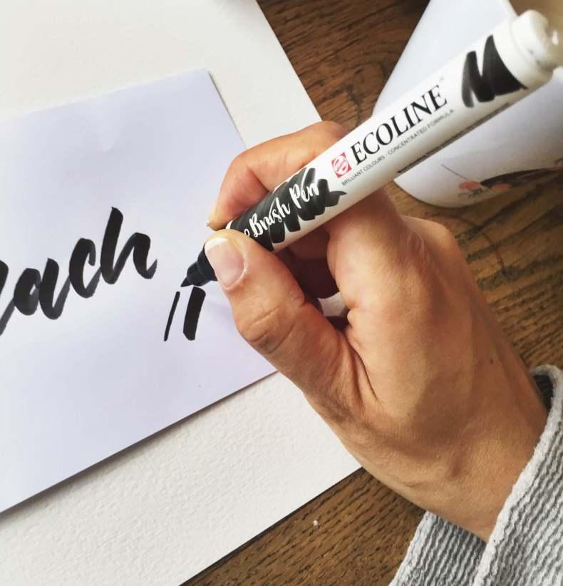 Fehler Brushlettering Brush Lettering Alphabet Font Stifte Pinselstift Sprüche Buch Vorlagen Übungsblätter Kurs Ecoline