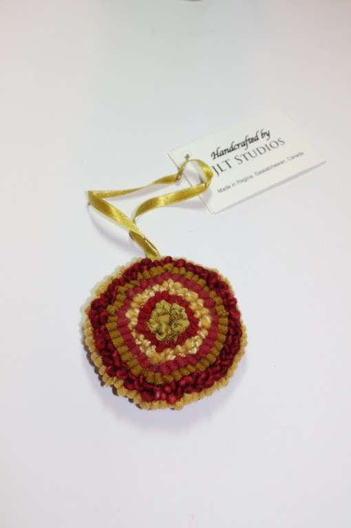 Christmas Circle Ornament #14