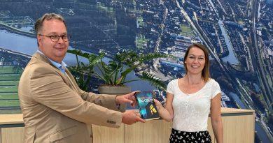 Burgemeester Han Weber neemt roman in ontvangst over fictief dorp in Zuidplas
