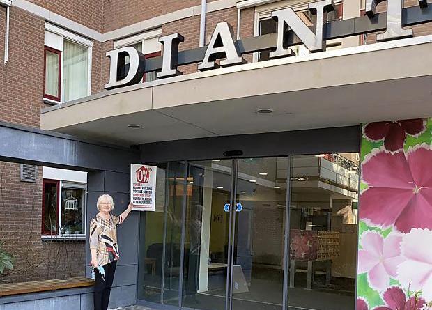 Actiedag SP  huurverlaging: flyers, petitie en  actiebord Dianthus
