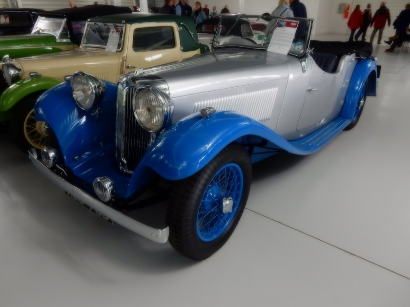 ss1-tourer-in-blue-and-silver
