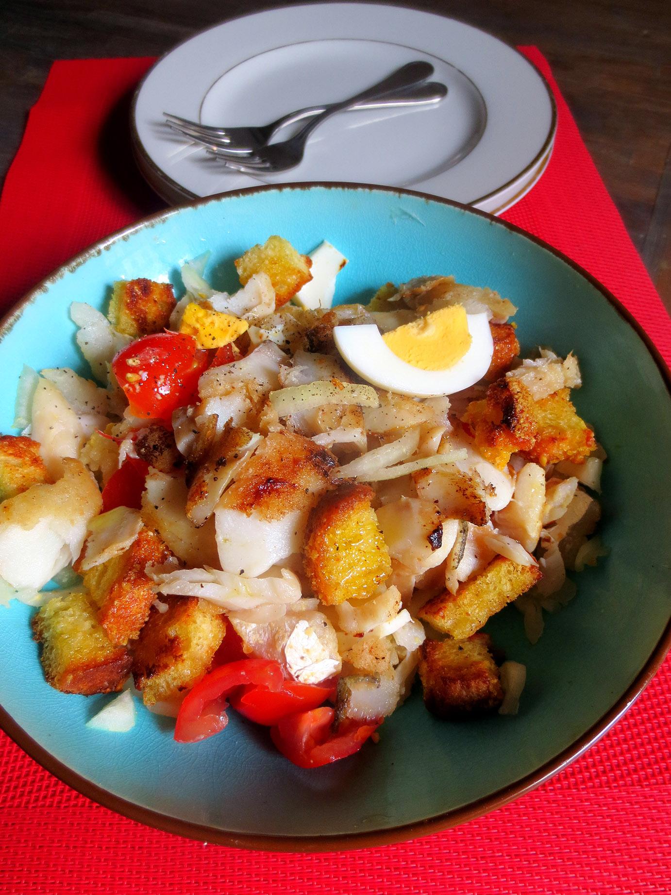 Salada de bacalhau com broa salade de morue pain de - Cuisiner la morue dessalee ...