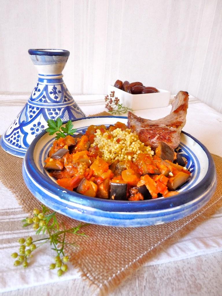 tagine de millet et côtelettes d'agneau aux petits légumes et à la coriandre