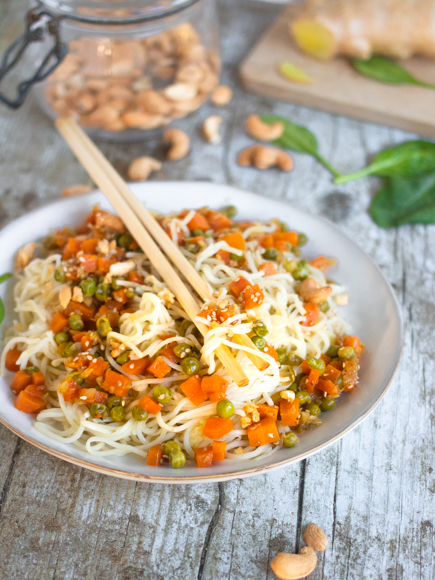 nouilles sautées aux légumes et gingembre