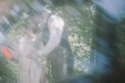 Jedan-frajer-i-bidermajer-prava-vencanja-moderna-mlada-vencanica-maja-i-dusko-intimno-vencanje-senke-3.jpg