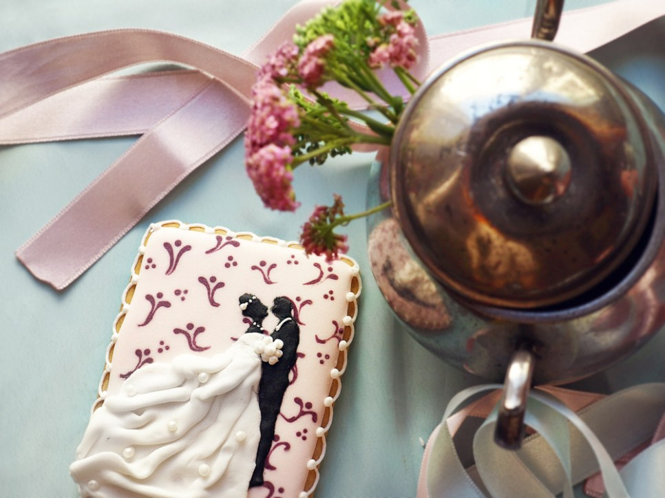Jedan-frajer-i-bidermajer-kolaci-za-vencanje-poklon-za-goste-predlog-cipka-srce.jpg