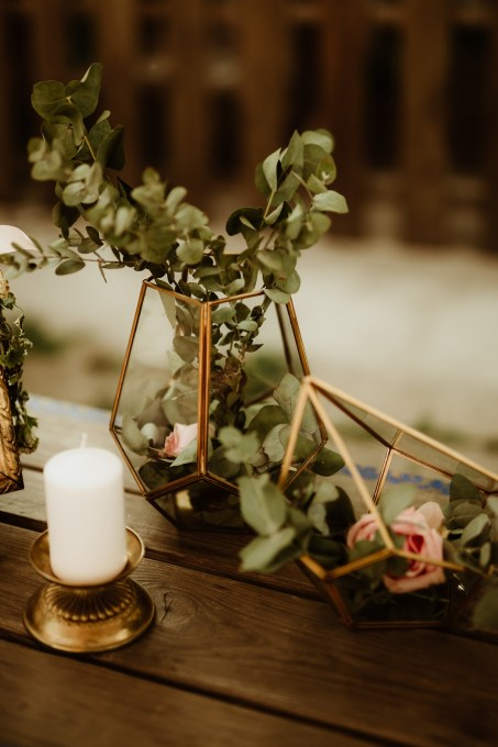 Jedan_frajer_i_bidermajer_serbian_belgrade_outdoor_wedding_wedding_planning_decor_flowers (3)