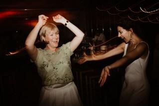 Jedan_frajer_i_bidermajer_serbian_belgrade_wedding_wedding_planning_dance (8)