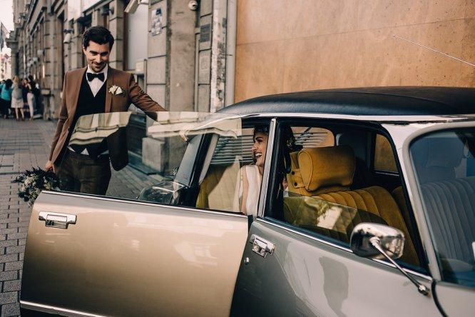 Jedan_frajer_i_bidermajer_serbian_belgrade_wedding_wedding_planning_bride_groom_wedding_car