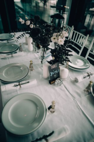 Jedan_frajer_i_bidermajer_serbian_belgrade_wedding_wedding_planning_decoration_table_setting_white_green