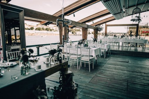 Jedan_frajer_i_bidermajer_serbian_belgrade_wedding_wedding_planning_decoration_table_white_green