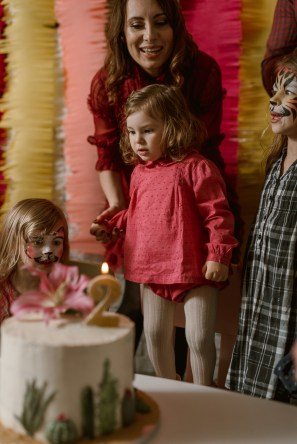 Jedan_frajer_i_bidermajer_organizacija_i_dekoracija_dečjih_rodjendana_torta_4