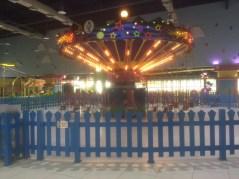 Hanging swing ride
